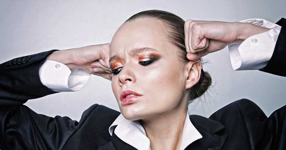 Nichola English styling advice on headshot portrait